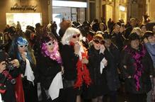 Adéu al Carnaval de Lleida amb l'enterrament de la sardina