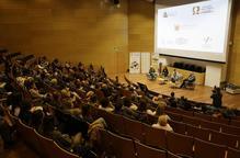 Un debat aporta llum al problema d'abusos a menors