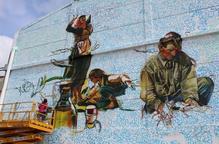 Grafiti gegant de Lily Brik al Museu de l'Oli de la Granadella