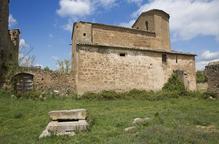 Torà elimina goteres a l'església protegida de Llanera