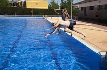 Obren les piscines d'Agramunt i dissabte s'hi sumen Tàrrega i Bellpuig