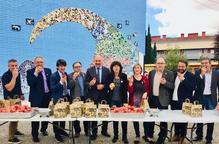 Lleida obre la campanya de venda de fruita de pinyol a l'Aràbia Saudita