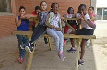 L'escola Joan Maragall reclama la instal·lació de taules de pícnic