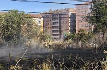 Els Bombers sufoquen un foc a Balàfia