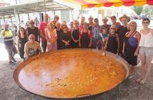 Multitudinària paella popular i solidària contra l'Alzheimer a Agramunt