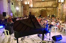 La música de Clara Peya sedueix a Cervera