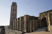 Bastides per a les obres al claustre de la Seu Vella