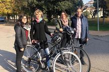 Metges del Santa Maria visiten en bici pacients