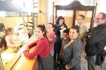 Més de 1.100 firmes contra el tancament de l'Àngel Guimerà