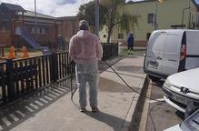 Desinfecten els carrers de Vilanova de Segrià