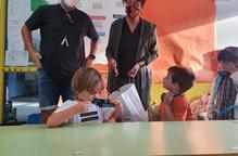 Els nens de la Vall de Boí estrenen curs amb repartiment de mascaretes