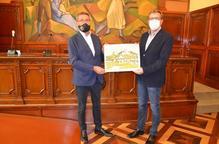 Joan Talarn rep la serigrafia del centenari del CT Lleida