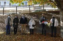 Ofrena floral del PSC en memòria d'Ernest Lluch