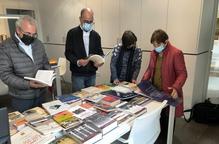Donen a l'arxiu de l'Espai Macià llibres sobre el president