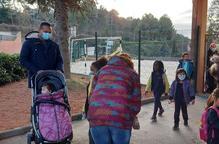 Cubells garanteix el futur de l'escola amb 6 nens de 2 famílies