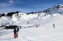 FGC mantindrà les estacions d'esquí obertes malgrat l'allargament del confinament