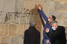Denuncien una pintada a la catedral de la Seu d'Urgell