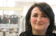 """Anna Sàez: """"Escriure articles sobre altres vides és com teixir la memòria"""""""