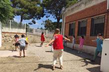 81 infants en situació de vulnerabilitat gaudeixen dels casals d'estiu de la Creu Roja