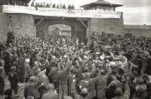 Rosselló recorda als seus veïns desapareguts en camps de concentració