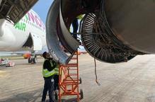 Comencen a l'aeroport de Lleida-Alguaire els treballs de reciclatge d'un Jumbo Boeing 747