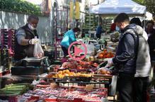 La Seu d'Urgell recupera el mercat setmanal amb una quinzena de parades