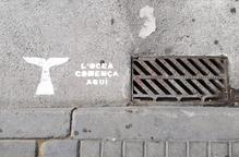 """Diverses clavegueres de Lleida desperten amb el missatge """"L'oceà comença aquí"""""""