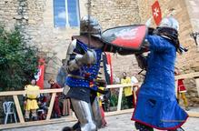 Tornen els combats medievals al Castell de Montsonís