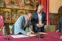 """Conveni entre l'Ajuntament de Lleida i l'Obra Social """"la Caixa"""" per renovar els projectes 'Empodera't' i 'Housing Firts'"""