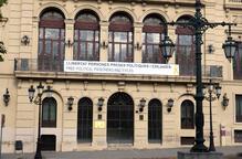 La Paeria aclareix que la pancarta la façana no atempta contra la llei de Patrimoni