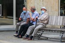 Arxiu avis ancians asseguts banc mascareta mascaretes desconfinament desescalada