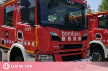 Crema una nau industrial a la carretera d'Artesa a Lleida