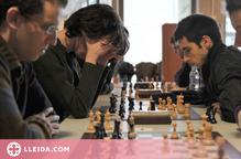 Un llibre d'un professor de la UdL recull 40 anys de recerca sobre els escacs