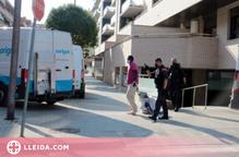 ⏯️ Desallotgen sense incidents 3 dels 12 pisos ocupats en un bloc de la Bordeta
