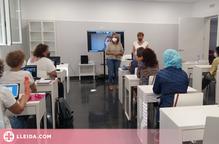 Aitona engega dos cursos de formació per a personal assistencial i d'atenció a gent gran