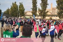 Més de 1.400 persones caminen contra el càncer a Lleida