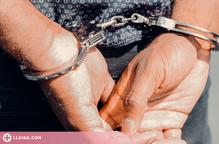 Detingut un jove per agredir la seva parella en ple carrer a Lleida