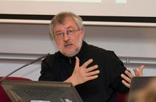 """""""No podem actuar contra el canvi climàtic si no ho fem contra el sistema"""" - Jorge Riechmann"""