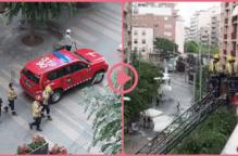 ⏯️ Els Bombers intenten accedir a un habitatge a la Zona Alta de Lleida