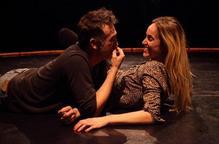 """El Teatre Ateneu examina el món de la parella amb la comèdia """"Carinyo"""""""