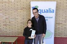 Una nena fragatina s'endú el Premi d'Aqualia