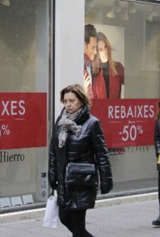 Comencen les rebaixes 'oficials', però les botigues fa dies que estan d'ofertes