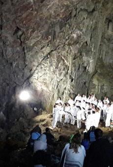 Emocionant concert Tel·lúric a la Cova Negra del Montsec