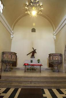 La façana romànica de Santa Maria d'Almatà tindrà vitralls per primer cop en 300 anys