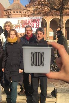 El mercat de Mollerussa, escenari de la campanya a Lleida durant el dia de la Constitució