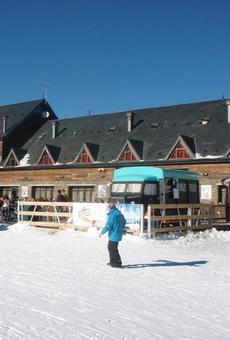 Les pistes reben més de 13.000 esquiadors en l'inici del pont, que genera retencions a l'accés a Andorra