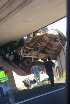 Continua a l'UCI el camioner que es va encastar al pont de l'A-2 a Alpicat