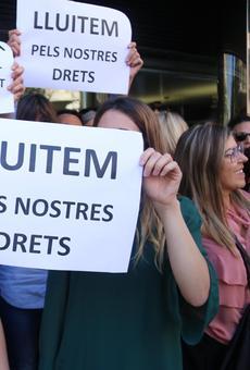 Condemna multitudinària al carrer contra la repressió policial i cridant a la vaga general