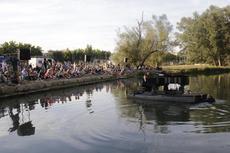 El piano flotant, el setembre passat al riu Segre a Lleida / Amado Forrolla