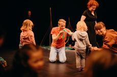 Taller 'Learn a song in sign language' Festival el més petit de tots